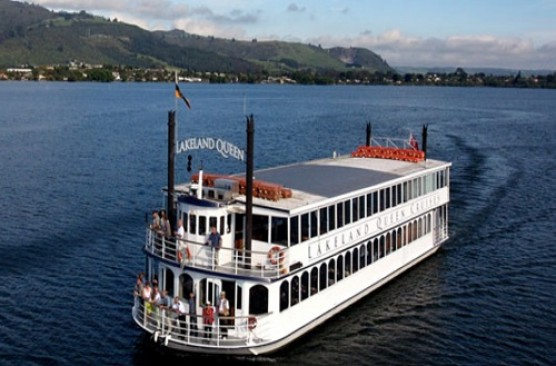 Rotorua Sights and Lakeland Queen Lunch Cruise